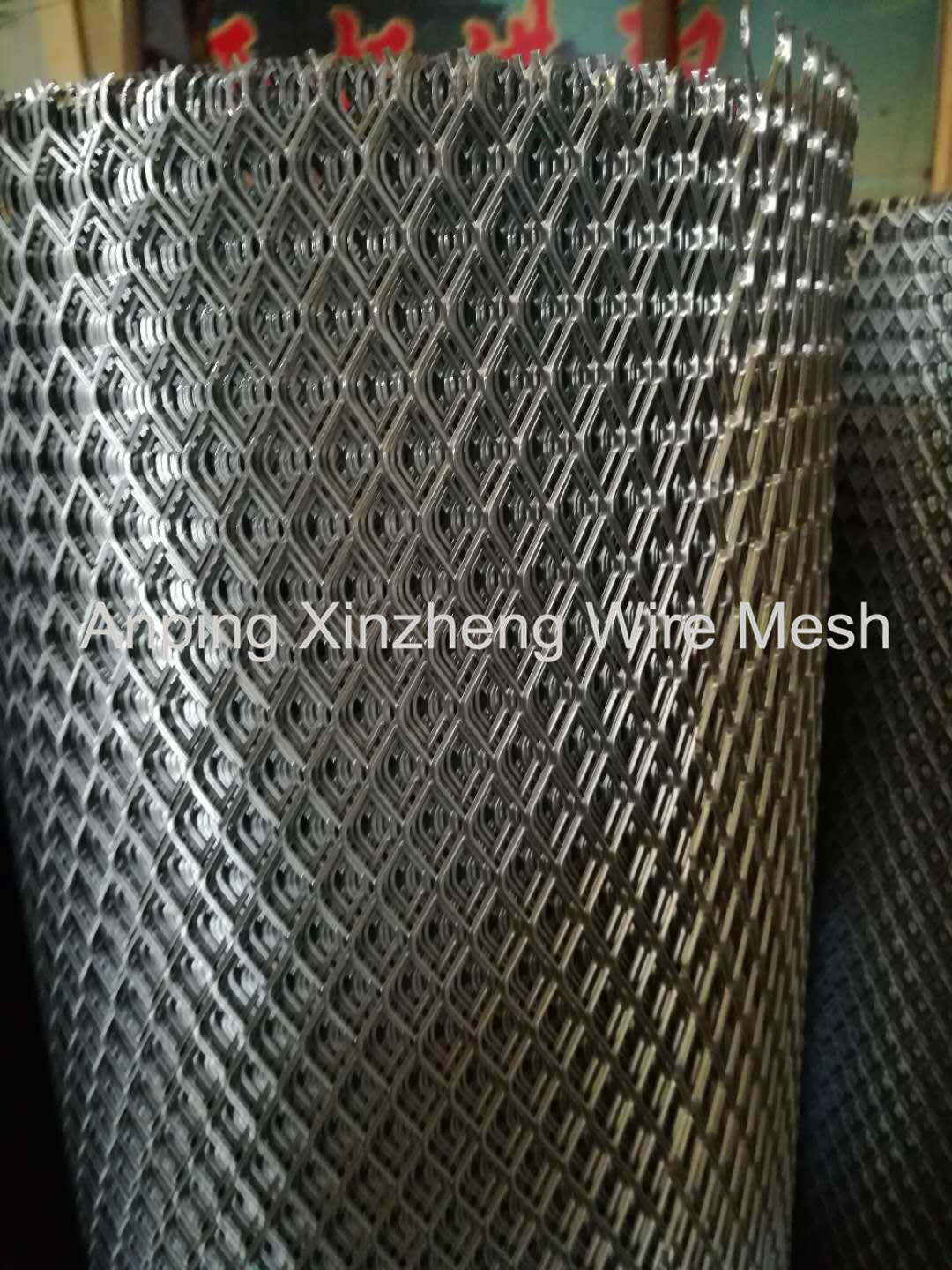 Expanded Mesh Roll