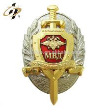 Fabricante de insignia al por mayor barato del metal del tornillo de ventaja del logotipo del oro antiguo al por mayor