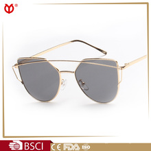 Cramilo metal pc frame women fashion r band metal monster women mirror coating sunglasses 8068