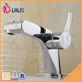 Robinet de lavabo à chariot chromé durable robinet de salle de bain