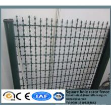 Chine métal enceinte grilles haute sécurité carré trou rasoir maille panneaux route champ clôture clôture diviseurs avec rasoir pointu