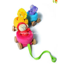 Fábrica de suministros de bebé de felpa tirando del juguete del coche