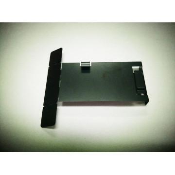 Высококачественные металлические детали с черным анодированием.