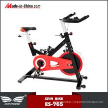 Exercício de fitness ereto corpo escultura bicicleta girando para venda