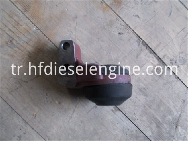 FL511 engine mounting