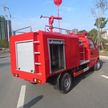DONGFENG 4 x 2 मिनी फायर ट्रक