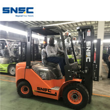 Lifting Equipment 2,5 Ton Diesel Fork Lift