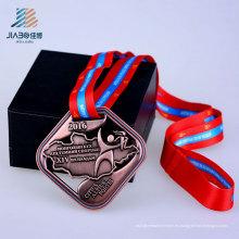 Aleación al por mayor 2016 ahueca hacia fuera la medalla de encargo de bronce de la escuela con la cinta