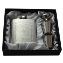 Wholesale Stainless Steel Hip Flask, Portable 7 Ounces Hip Flask