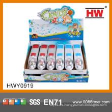 La historieta caliente de la venta tira del juguete del coche con el caramelo dentro