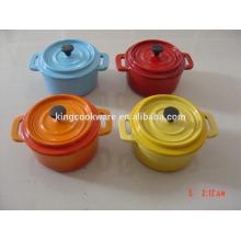 mini cocotte en fonte ronde / ovale / batterie de cuisine / casserole avec revêtement émaillé