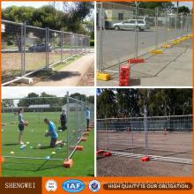 Panneaux de clôture temporaires mobiles