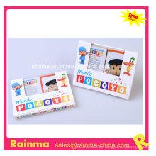 Zwei Set Kinder Spielkarten in Papierbox