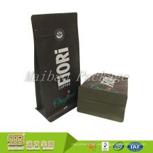 Marcas personalizadas BOPP Material laminado Bolsas de empaquetado del grano de café del negro mate cuadrado inferior con la muesca del rasgón