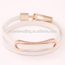 Bajo moq nuevos productos2016 venta aleación envolver cuero blanco pulsera