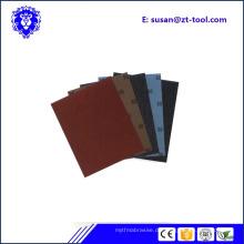 nasses oder trockenes Schleifpapier / Sandpapierblatt