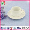 weiße einfache Kaffeetassen, Porzellan Kaffeetasse und Untertasse