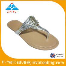 Sandalias de diseño más reciente