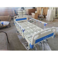 Two Manual Cranks Medical Bed with One Infusion and Four Casters