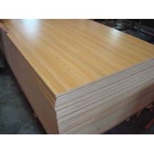 1220 * 2440 contrachapado de melamina para uso de muebles