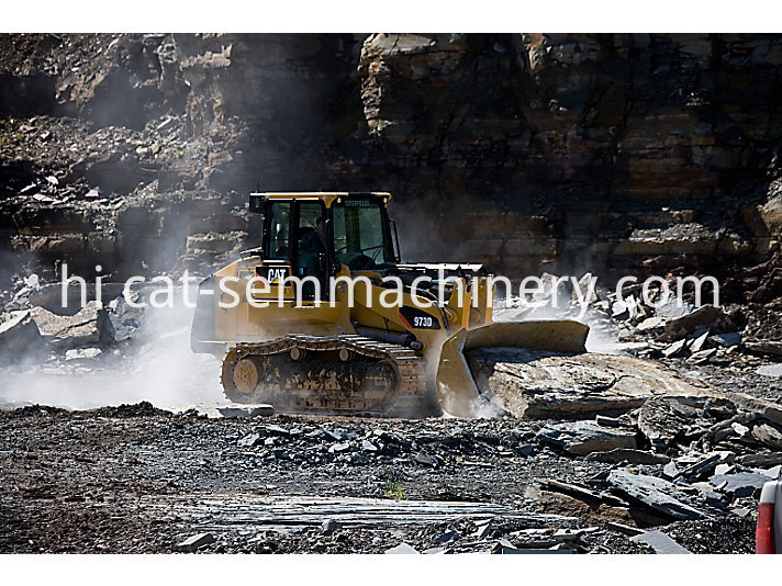 cat 973D crawler loader