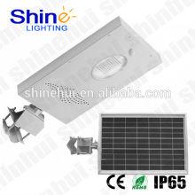 Lampe de rue solaire à design moderne 12W
