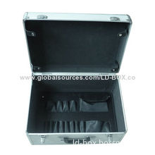 Aluminum case with a removable tool pallet, convenient for storage and carrying