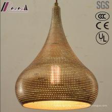 Pendentif rond en métal et or creux avec salle à manger