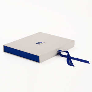 Deluxe Collapsible Paper Gift Box