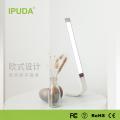 Lampe de table tactile de haute qualité Noël a conduit la lumière Q3 de lecture d'IPUDA