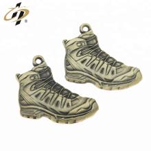Personalizado 3D metal bronze esportes sapato charme pingentes