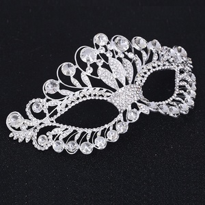 Crystal Masquerade Mask With Big Diamonds
