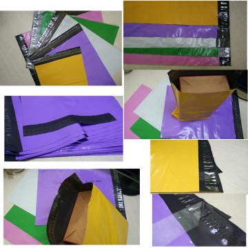 Bolsas polivinílicas a color personalizadas con adhesivo Peel y sello