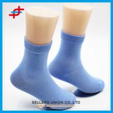 2015 Großhandel benutzerdefinierte Teen Young Boy / Mädchen Plain Tube Socken