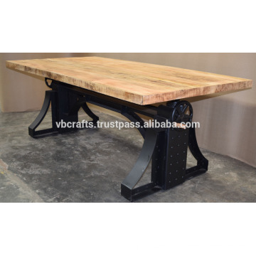 Industrial Crank Table Metal Rivets Black Color Mango Top en bois
