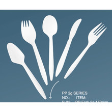 Popular PP 2.5g Light Weight Plastic Cutlery Set / Medium Weight Plastic Cutlery