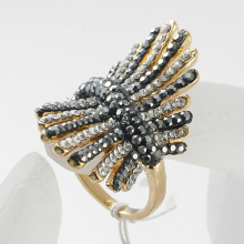 Wholesale Hot Jewelry Gold Plated Made With zinc alloy Crystals Gold finger Ring