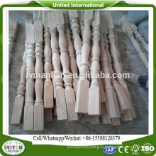 colonnes d'escalier en bois