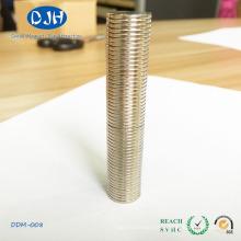Strong Magnet Round Size N35 Grade Neodymium
