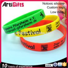 Nouveaux bracelets de festival de silicone de mode de modèle pour la promotion