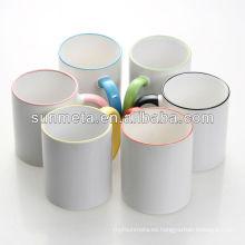 Borde de sublimación en blanco y color de la manija con recubrimiento de la taza
