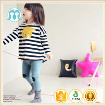 Les enfants chauve-souris à manches longues à la mode T-shirts rayé noir et blanc t-shirts à rayures pour la saison d'automne