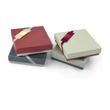 Bufanda cuadrada delicada Caja de regalo de papel mate