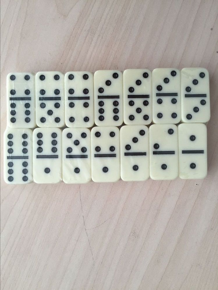 mini dominoes