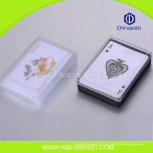 Großes Material, das billige Pokerkarten spielt
