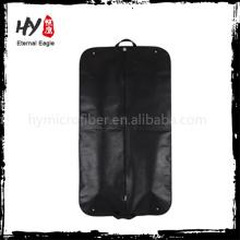 Os sacos de vestuário claros recicláveis com os sacos de vestuário não tecidos feitos sob encomenda dos bolsos sacos de vestuário feitos sob encomenda vendem por atacado