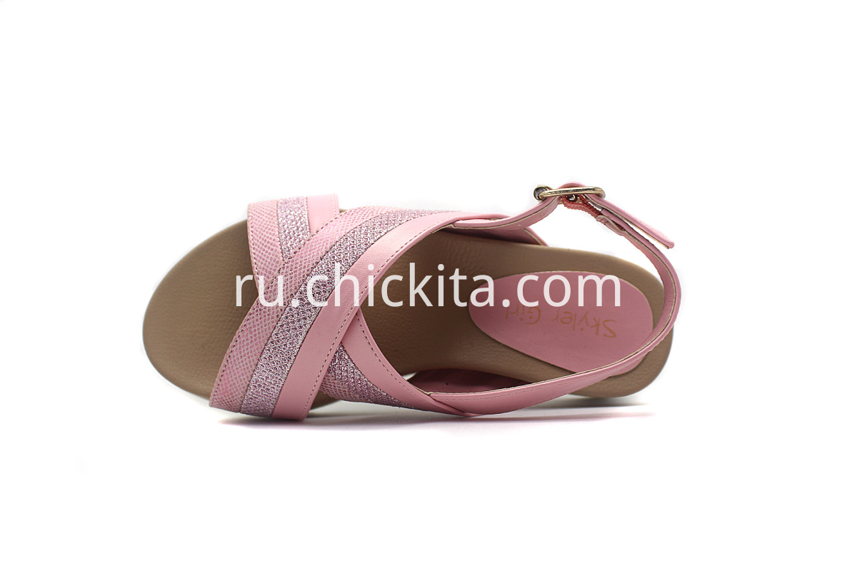 The classic cross-over Girls Sandals multicolor & bright materials