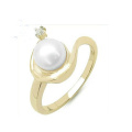 Luxury Pearl Ring with Diamond