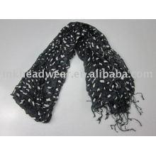 Écharpe en dentelle tricotée à la main pour décoration