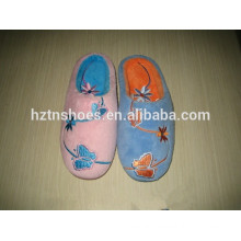 Cheap woman slipper Indoor slipper with embroidery butterfly